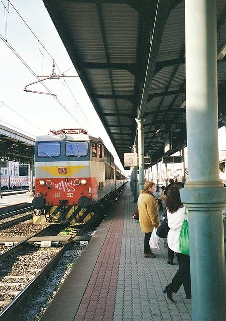 arezzo chiusi italy train - photo#13
