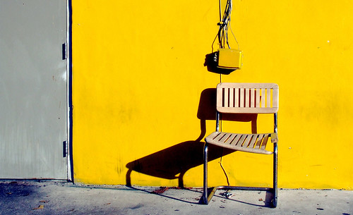 One chair, yellow (horizontal)