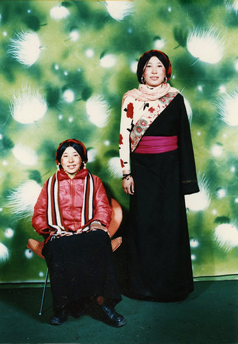 tibet photostudio-sisters