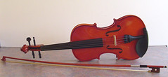 bowed string instrument, plucked string instruments, string instrument, violin, viola, double bass, cello, string instrument,