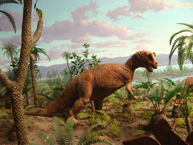 tyrannosaure avec sa proie 468095825_564e2666ef_z