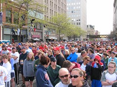 How 40,000 runners line up for a race