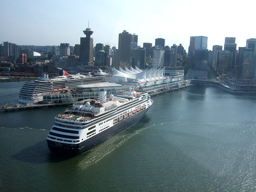 Cruise ship leaving Vancouver by ttcopley