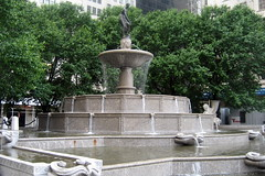NYC: Grand Army Plaza - Pulitzer Fountain