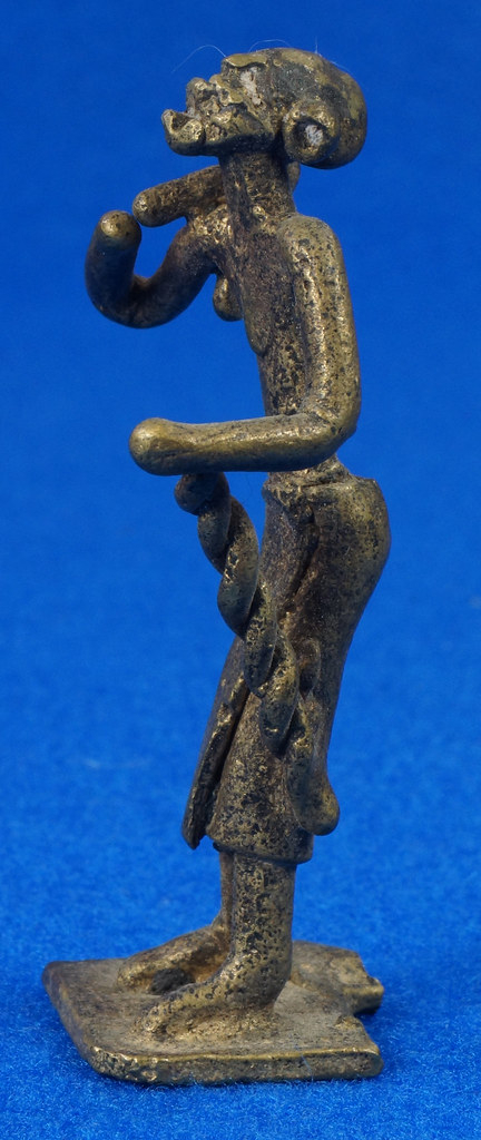 RD15104 4 Vintage African Hand Made Folk Art Primitive Figurines Solid Cast Brass Burkina Faso Yoruba West Africa DSC07098