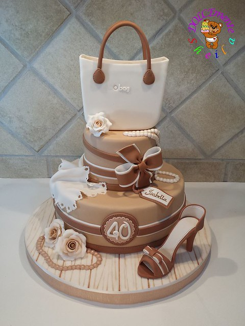 Cake by DOLCEmente Sheila