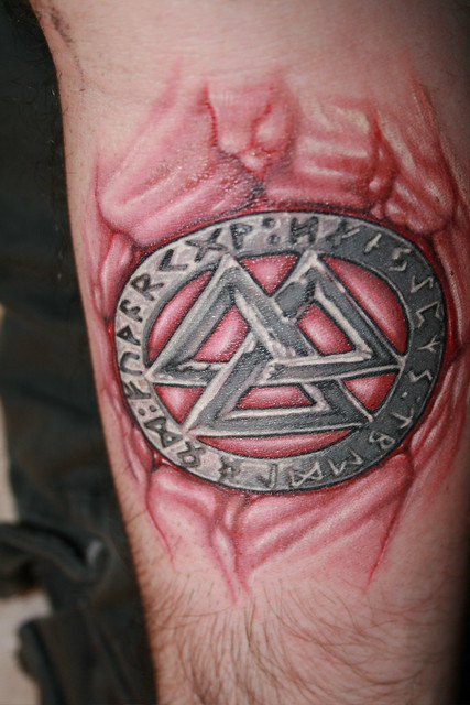 valknot  u0026 runes tattoo  pic 2