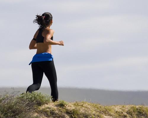 faltshiler / Florina female-jogger-morro-bay-coleman-avenue