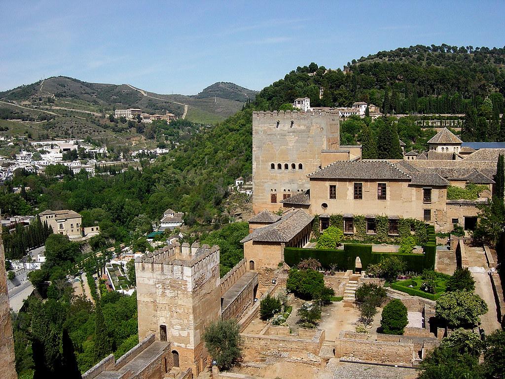 Granada alhambra jardines machuca y torre de comares for Jardines de gomerez granada