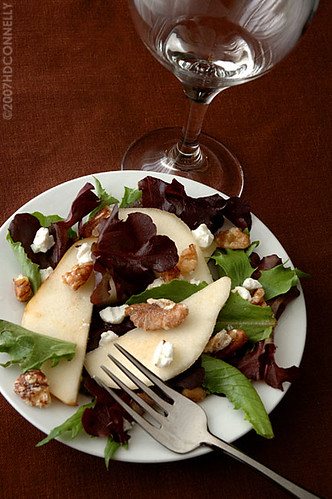 pear, walnut and goat cheese salad