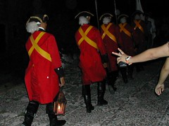 Guards marching @ Cannon Ceremony_Cuba 265c