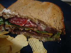 blt, sandwich, meal, lunch, breakfast, chivito, muffuletta, meat, food, dish, cuisine,