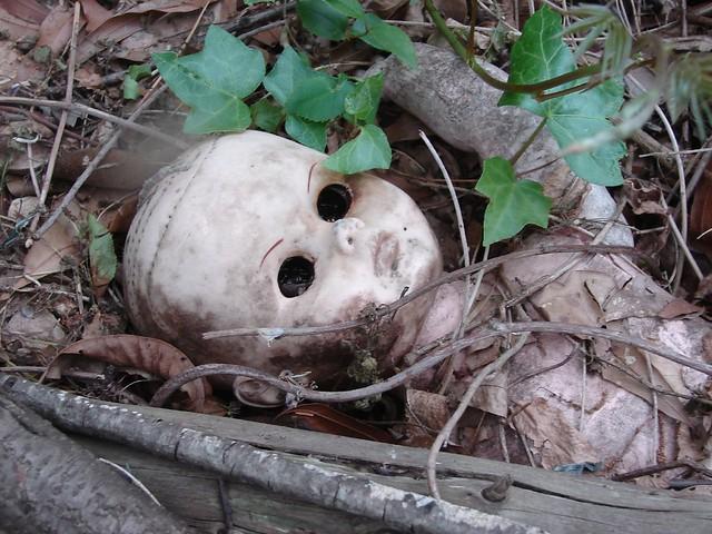abandoned doll1