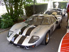 porsche 904(0.0), race car(1.0), automobile(1.0), vehicle(1.0), performance car(1.0), automotive design(1.0), ford gt40(1.0), ford gt(1.0), land vehicle(1.0), supercar(1.0), sports car(1.0),