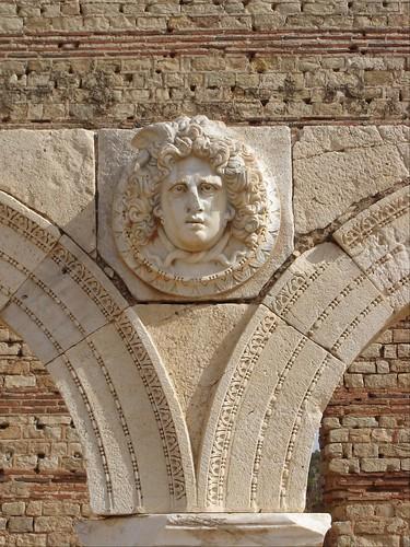 Severan forum, Medusa