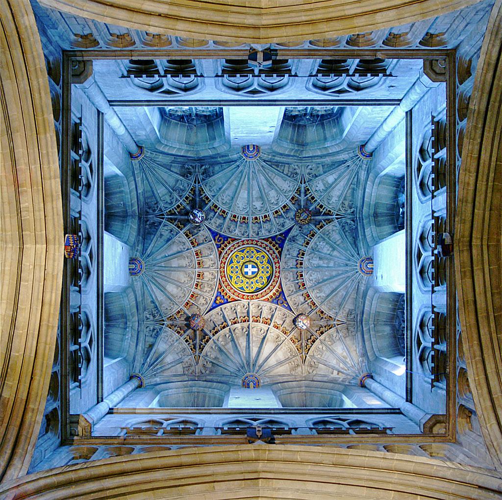 Tracería de abanicos, en la torre de la Catedral de Canterbury