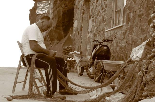 Pescatore ad Alicudi