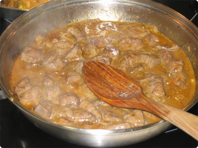 Gastronom a en verso h gado de ternera gallega encebollado for Cocinar higado de ternera