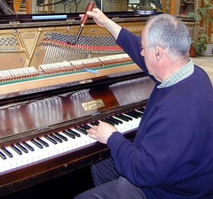 computer component(0.0), string instrument(0.0), electronic device(0.0), musician(0.0), fortepiano(0.0), electric piano(0.0), string instrument(0.0), keyboard player(1.0), pianist(1.0), piano(1.0), musical keyboard(1.0), keyboard(1.0), organist(1.0), player piano(1.0),