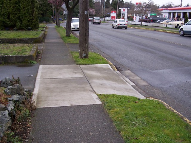 Having a problem with an easement driveway?