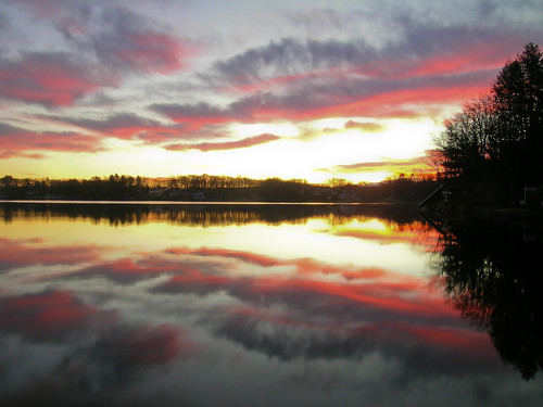 pink usa house lake reflection sunrise ma purple moms southwick