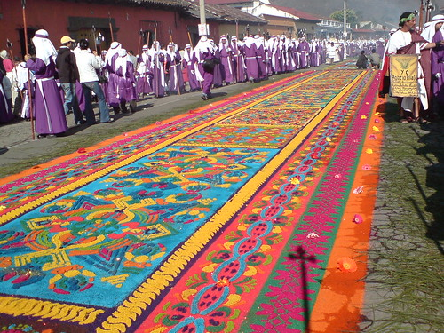 Flickr discussing antigua guatemala alfombras in semana for Antigua alfombras