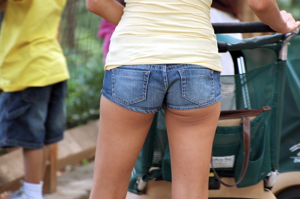 Short Shorts  Billy Bob Bain  Flickr-8817