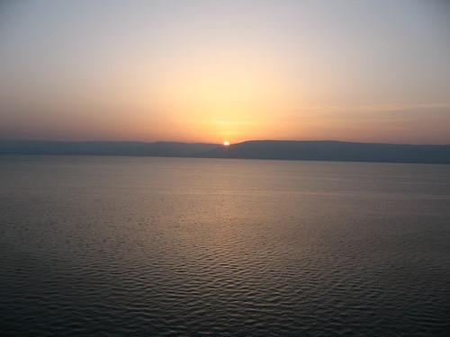 orange sun water sunrise israel galilee ripples kinneret golanheights golan tiberias seaofgalilee כנרת views50 views100 views75 views25 yamkinneret tabariyya buhairet 3264x2448 hoyasmeg