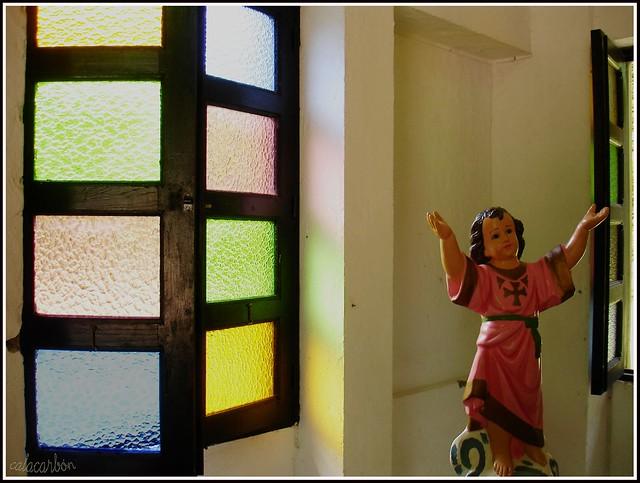 Imagen de una Estatuilla del Niño Dios parte del Arte Religioso en el Paisaje Cultural Cafetero