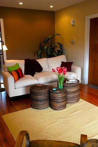 Living room zen style for Small living room zen design