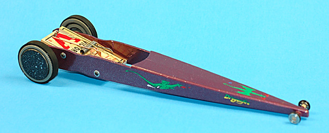mousetrap car | Body made of paint stir sticks, went 52 ...