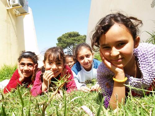 kids_grass