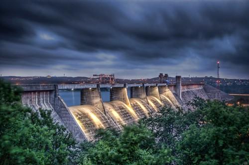 Mansfield Dam by CraigAllen
