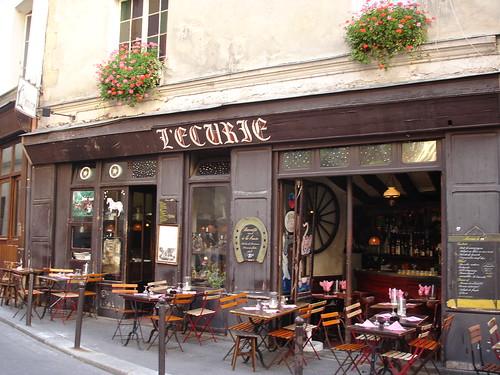 Restaurant Rue De La Favorite Paris