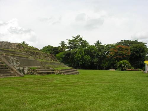 archaeology latinamerica america site nikon maya central ruinas latin elsalvador santaana archaeological fm centralamerica tazumal 0608 chalchuapa e8800 imagesofelsalvador youngrobv elpulgarcitodeamerica mayatrek06 f2277