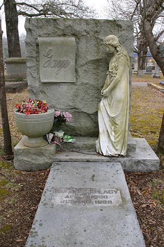 Cemetery statue, Jasper, AL
