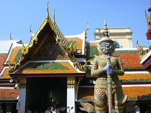 Miek37: Yakshas statue in the Grand Palace, Bangkok