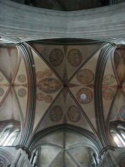 window(0.0), wood(0.0), ceiling(0.0), glass(0.0), dome(0.0), stained glass(0.0), carving(1.0), art(1.0), symmetry(1.0), design(1.0), vault(1.0),