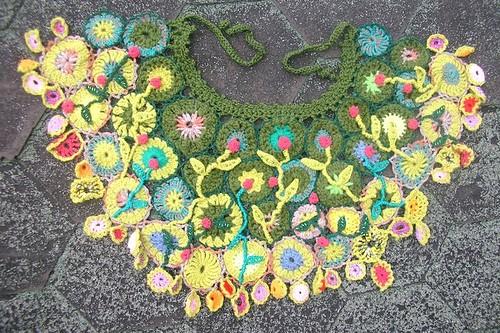 Lacy Crochet Capelet Crochet Pattern | Red Heart
