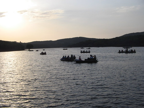 Image result for Travel blogs on venna lake
