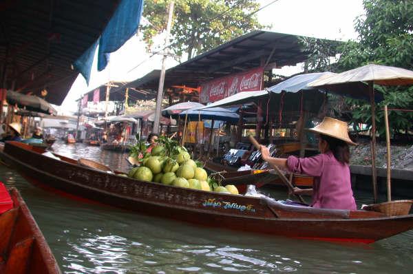 The Damnoen Saduak Floating Market, Ratchaburi, Thailand