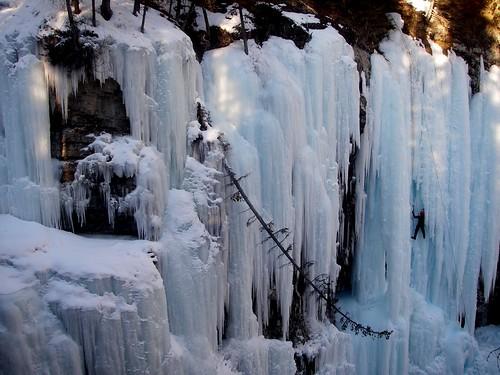 Johnston canyon ice climbing