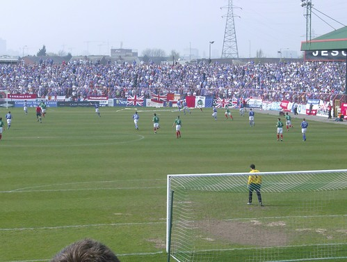 The Oval Glentoran v Linfield 14-4-07 (7)