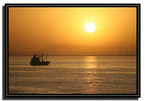 africa sea sunrise ilovenature ship canond30 naturesfinest supershot canonefs1785mmf456isusm canonef80200mmf28l p1f1