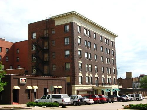 vacation brick hotel iowa ottumwa hotelottumwa