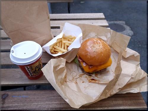 Photo:2016-12-12_ハンバーガーログブック_テイクアウト専門店が開店!【北参道】marger burger_02 By:logtaka