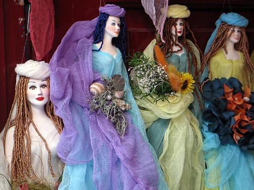 aa 87 Paros dolls