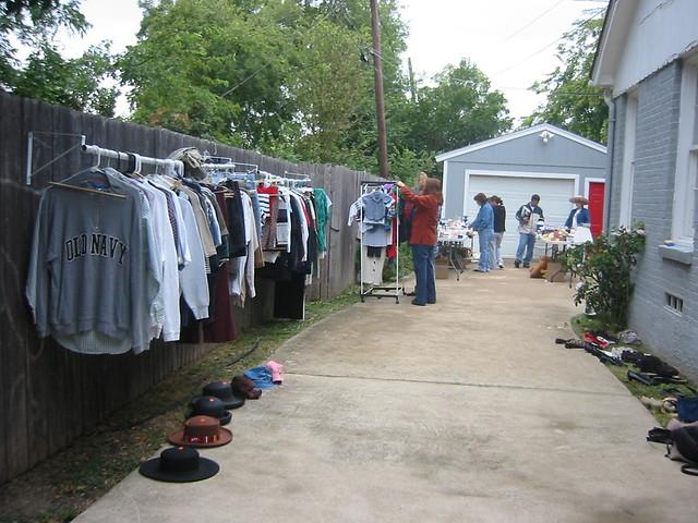 makeshift clothes rack for garage sale
