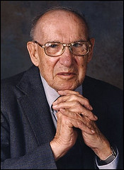 Peter Drucker dies at 95