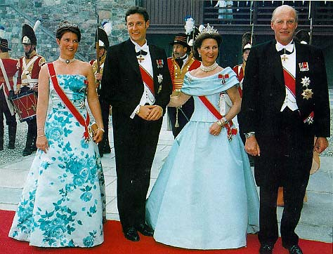 King And Queen Of Norway http://www.flickr.com/photos/pdwylde/94406035/